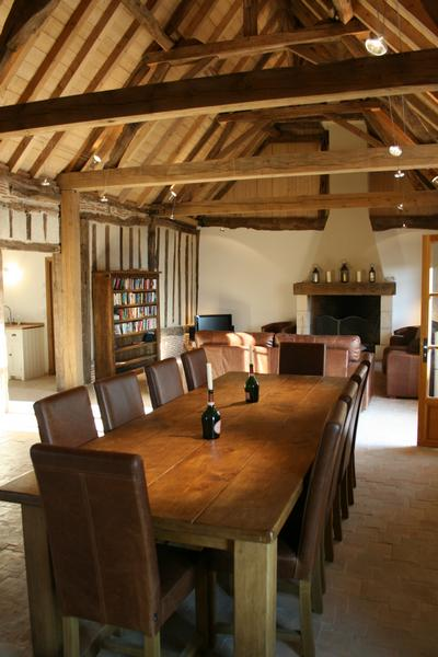 Bellevue Three Bedroom Barn Conversion In The South Of